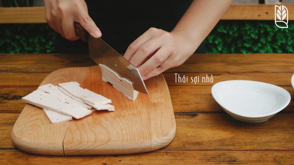 cắt chả - Món gỏi cuốn ăn dặm - Men No Sato 2